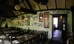 Het gesloten café De Hopduvel in betere tijden. Bron: Wikipedia - PMRMaeyaert