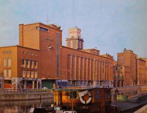 De na-oorlogse gebouwen van brouwerij Artois in Leuven, inmiddels grotendeels gesloopt.
