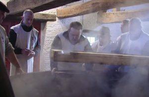 De stuikmand in actie in Bokrijk - Bron: Tournée Générale, VRT
